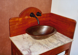 Joan's Table With Basin